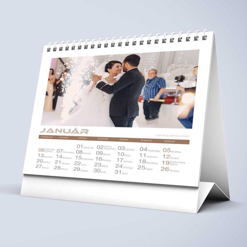 Stolový kalendár z vlastných fotiek s 01